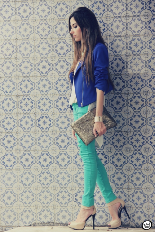 FashionCoolture 16.12.2012 Romwe  green jacket sequins clutch outfit look do dia rivets Kafé braceletes (4)