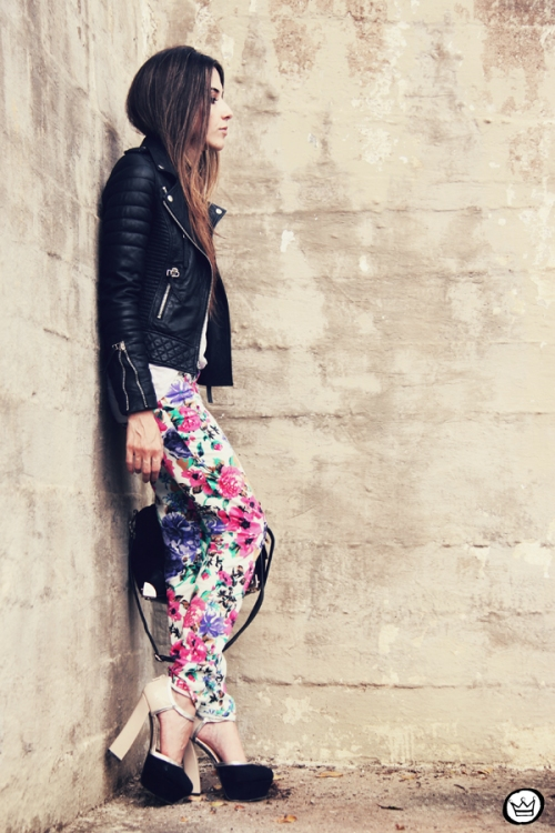 FashionCoolture 18.12.2012 floral pants Damyller leather  jacket Boda Skins Asos heels black outfit (5)