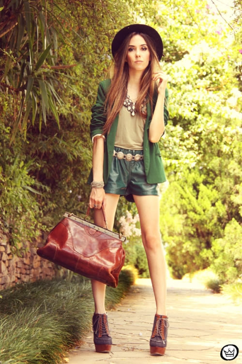 FashionCoolture 20.12.2012 green blazer SheInside vintage bag hat Asos high heels maxi necklace Rafaela Andrade (4)