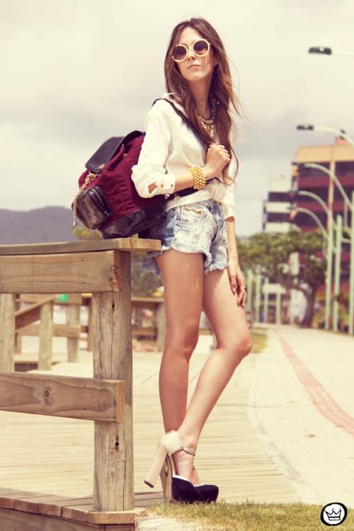 FashionCoolture Catarina a Porter Itapema Gabriela Faraco Bruna Starling Ziann short jeans camisa branca (1)