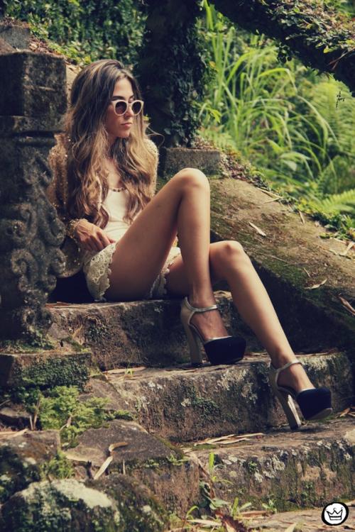 FashionCoolture 09.01.2013 look du jour sequins nude lace shorts Asos Spektre sunglasses hair ombre outfit (3)