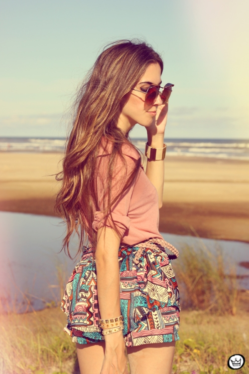 FashionCoolture - 18.01.2013 look du jour ethnic shorts beach summer outfit pattern Xiquita Bakana sunglasses rounded Kafé (2)