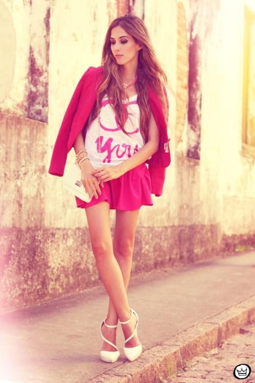 FashionCoolture - 31.01.2013 look du jour pink skirt Romwe Aluska t-shirt Asos Chanel (1)