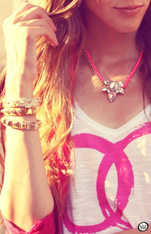 FashionCoolture - 31.01.2013 look du jour pink skirt Romwe Aluska t-shirt Asos Chanel (3)