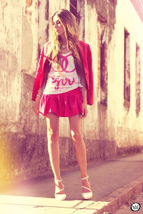 FashionCoolture - 31.01.2013 look du jour pink skirt Romwe Aluska t-shirt Asos Chanel (4)