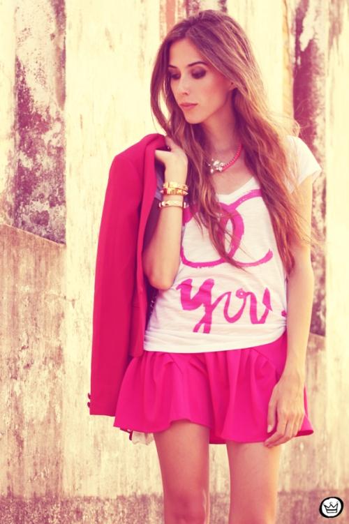 FashionCoolture - 31.01.2013 look du jour pink skirt Romwe Aluska t-shirt Asos Chanel (7)