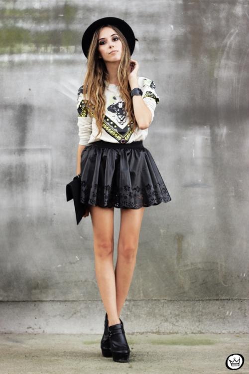 FashionCoolture - 03.02.2013 look du jour Awwdore jumper moletom hat Asos Romwe clutch (1)