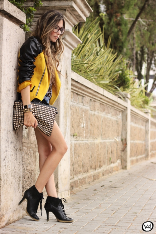 FashionCoolture - 04.02.2013 look du jour Choies jacket mustard riveted clutch Romwe t-shirt rock (8)