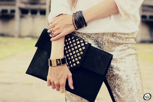 FashionCoolture - 07.02.2013 look du jour sequins pants Romwe clutch Boda Skins leather jacket Kafé Bracelets Asos (3)