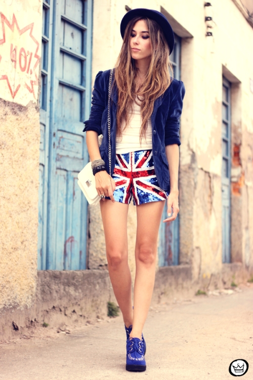 FashionCoolture - 05.03.2013 look du jour union jack uk flag sequins shorts velvet blazer hat creepers (6)