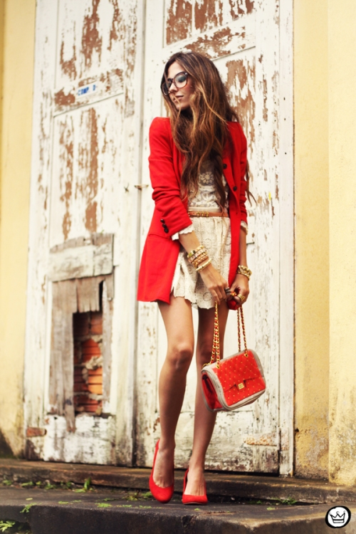 FashionCoolture 14.03.2013 look du jour lace goodnight macaroon red coat glasses blogger outfit fashion (1)