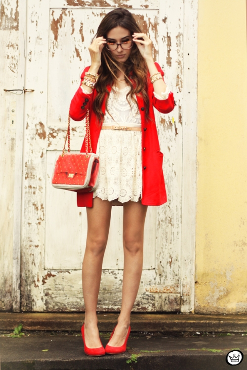 FashionCoolture 14.03.2013 look du jour lace goodnight macaroon red coat glasses blogger outfit fashion (4)