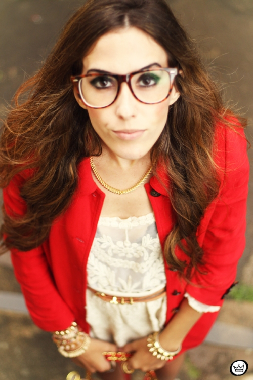 FashionCoolture 14.03.2013 look du jour lace goodnight macaroon red coat glasses blogger outfit fashion (7)