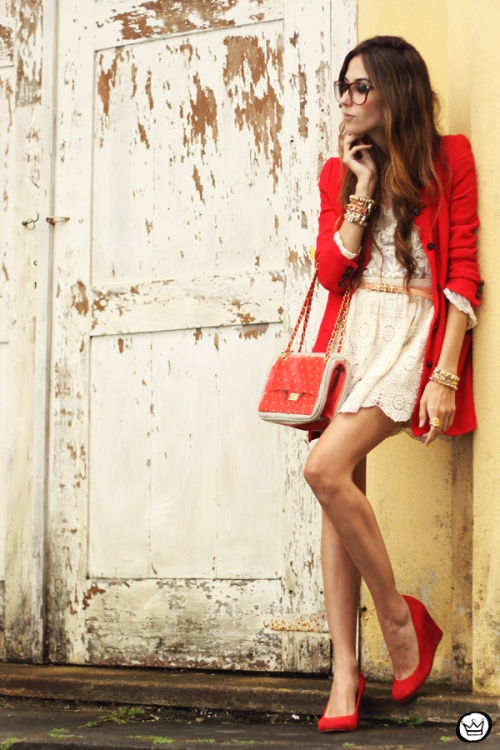 FashionCoolture 14.03.2013 look du jour lace goodnight macaroon red coat glasses blogger outfit fashion (8)