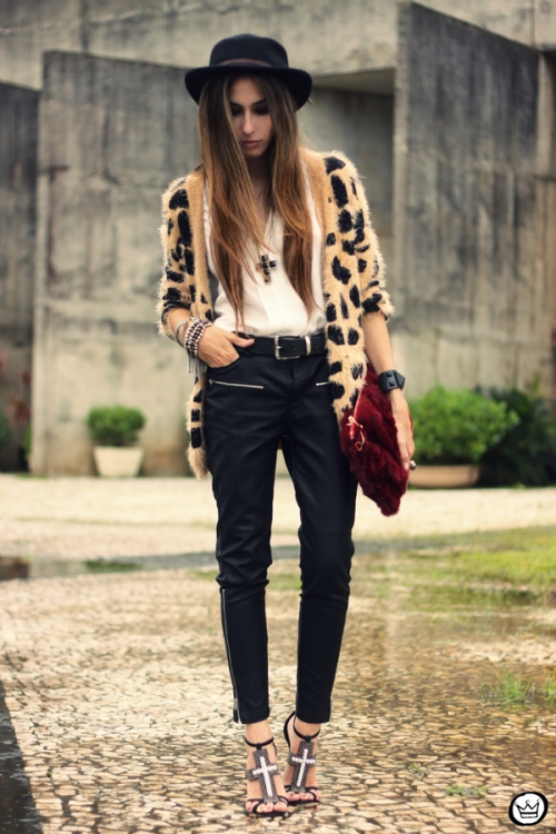 FashionCoolture - 20.03.2013 look du jour Awwdore leopard cardigan leather pants romwe schutz (4)
