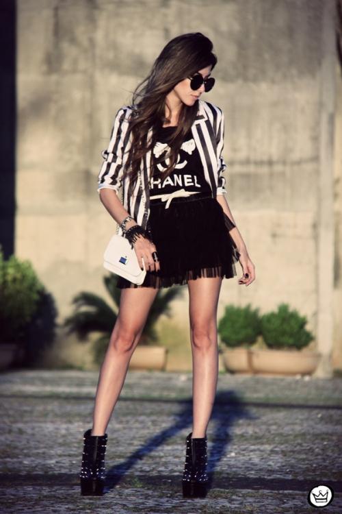 FashionCoolture - 16.04.2013 look du jour MIAH t-shirt chanel outfit  striped listras ... 9d82bb538f5