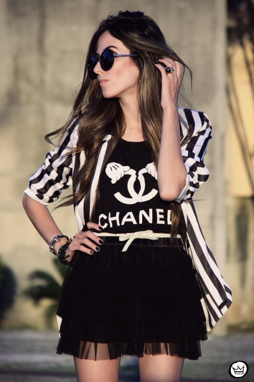 FashionCoolture - 16.04.2013 look du jour MIAH t-shirt chanel outfit striped listras (5)