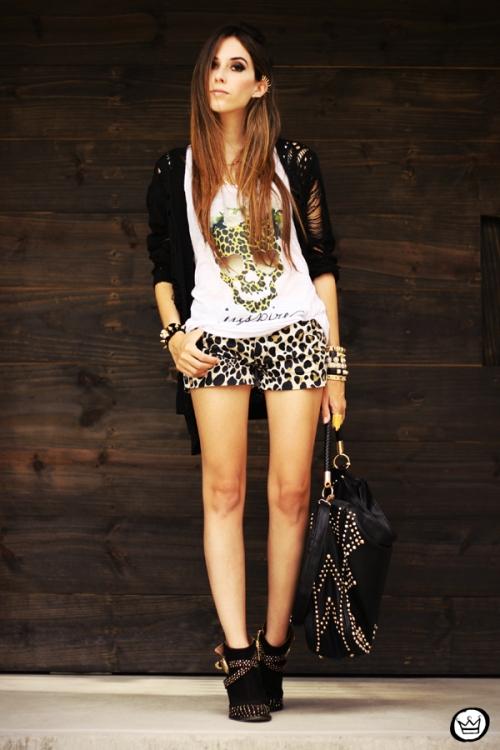 FashionCoolture - 23.04.2013 look du jour Gabriela Faraco ear cuff spikes Aluska t-shirt studded (7)