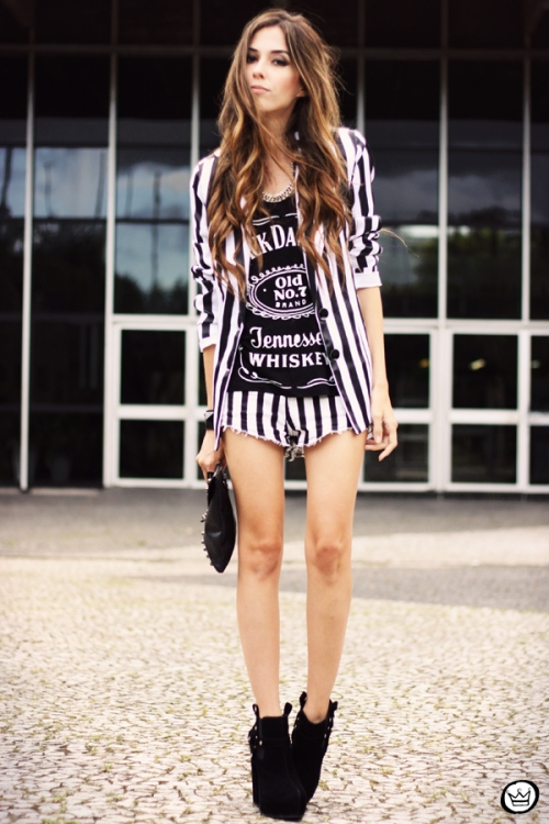 I am loving the monochrome trend, you look lovely!
