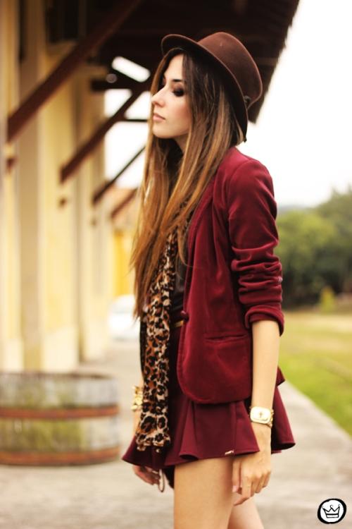 FashionCoolture - 16.05.2013 look du jour Kodifik Kafé burgundy chapéu blazer veludo (2)