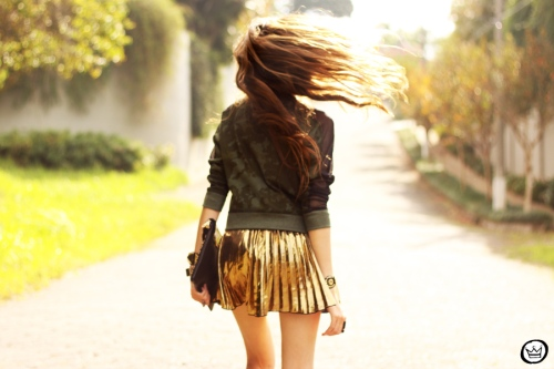 FashionCoolture - 27.05.2013 look du jour Labellamafia pleated golden jumper (6)