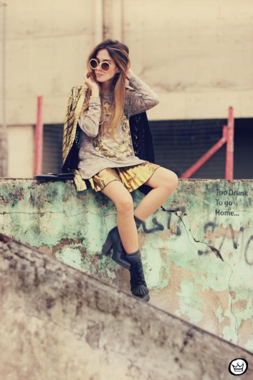FashionCoolture - 10.07.213 look du jour Xiquita Bakana gold metallic (1)