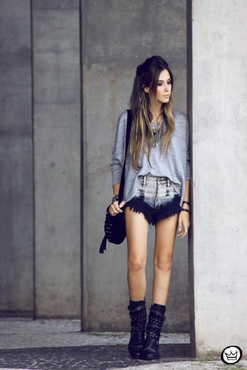 FashionCoolture - 29.04.2014 Cravo & Canela - boots studded rocker (1)