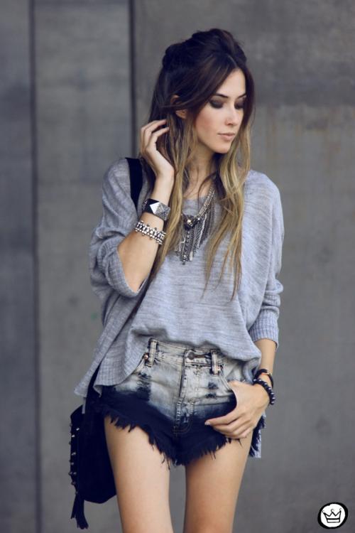 FashionCoolture - 29.04.2014 Cravo & Canela - boots studded rocker (2)