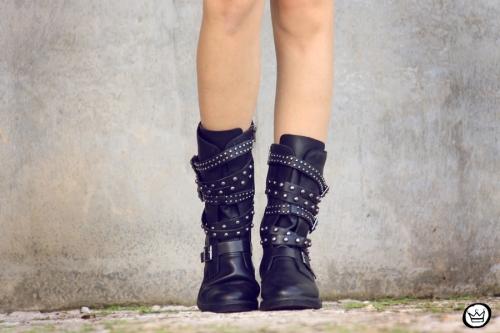 FashionCoolture - 29.04.2014 Cravo & Canela - boots studded rocker (4)