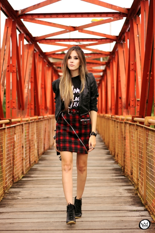 FashionCoolture - 17.05.2014 look du jour plaid skirt rocker t-shirt (1)