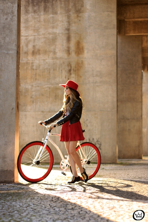 FashionCoolture - 06.06.2014 BlackFlea bike (1)