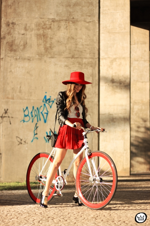 FashionCoolture - 06.06.2014 BlackFlea bike (4)
