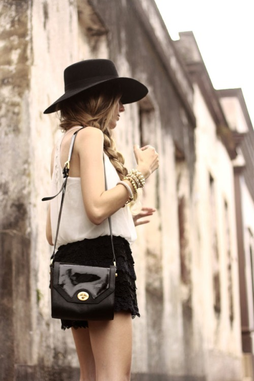 FashionCoolture Instagram black&white