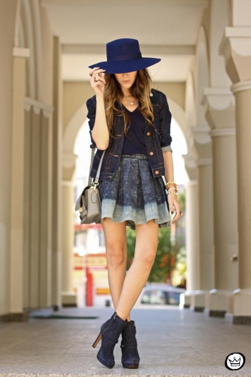 FashionCoolture - 21.07.2014 look du jour Gap blue denim (1)