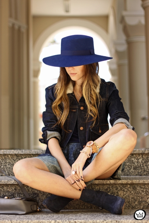 FashionCoolture - 21.07.2014 look du jour Gap blue denim (4)