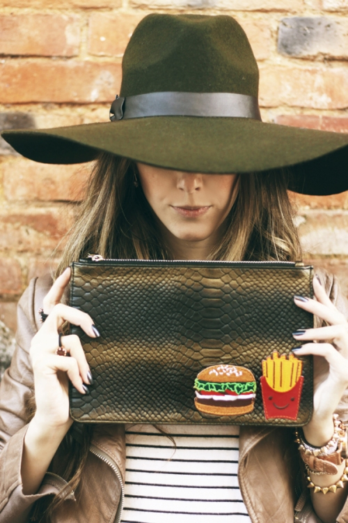 FashionCoolture hat clutch