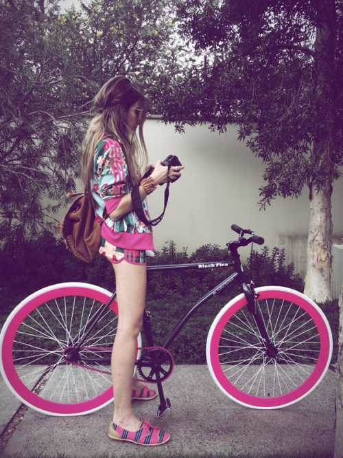 FashionCoolture Instagram bike blackflea