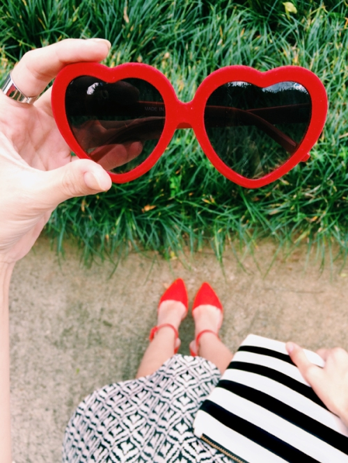 FashionCoolture Instagram heart sunglasses