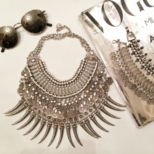 FashionCoolture Instagram silver necklace