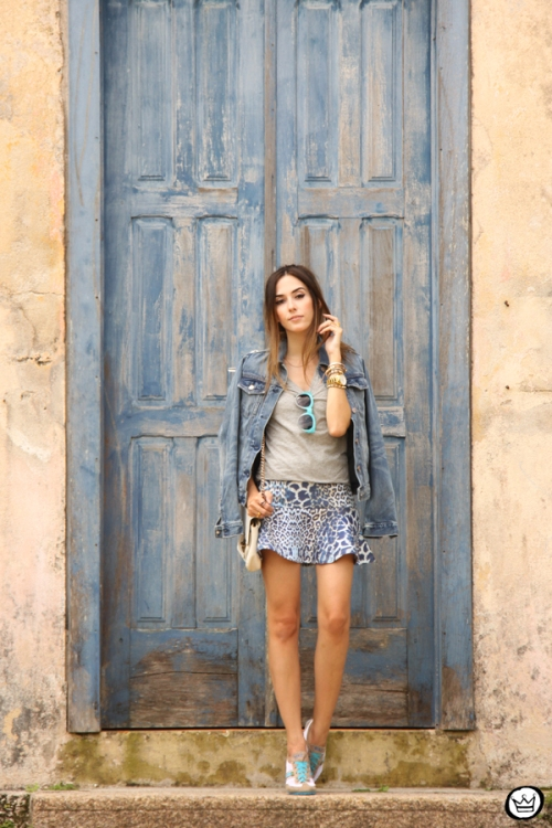 FashionCoolture - 27.02.2015 look du jour denim Gap Maz Brasil tênis (3)