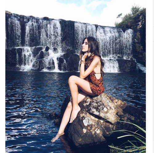 FashionCoolture - Instagram Triya