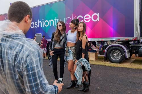 FashionCoolture - Cea Lollapalooza blogger fashiontruck (6)