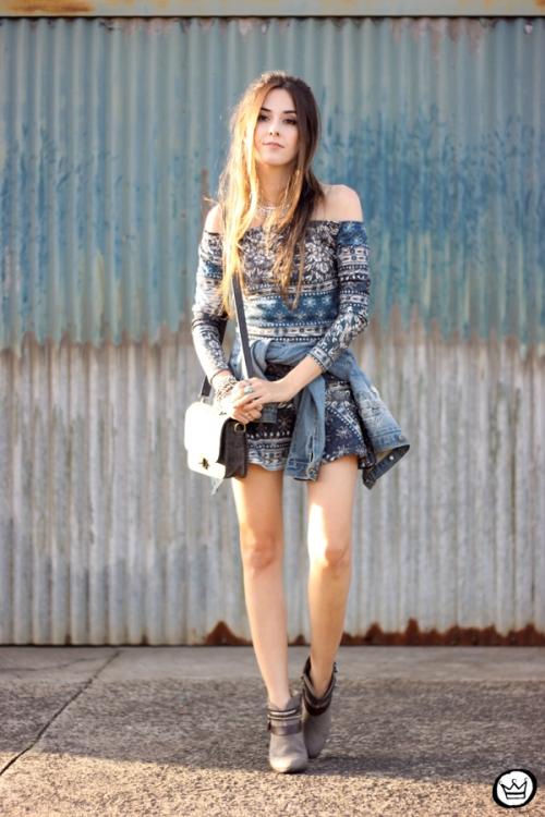 FashionCoolture - 27.04.2015 look du jour Triton vestido étnico jaqueta jeans (1)