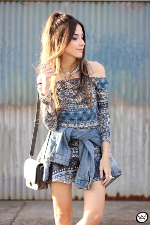 FashionCoolture - 27.04.2015 look du jour Triton vestido étnico jaqueta jeans (2)