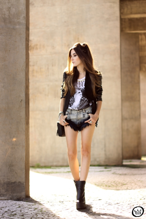 FashionCoolture - 28.04.2015 look du jour Moikana black denim shorts and tshirt  (1)