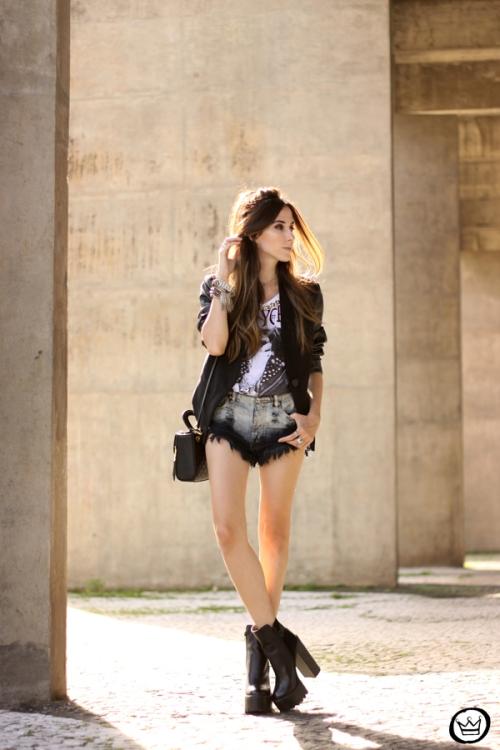 FashionCoolture - 28.04.2015 look du jour Moikana black denim shorts and tshirt  (5)